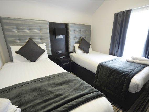 A spacious twin room at The 29 London (fka Airways Hotel)