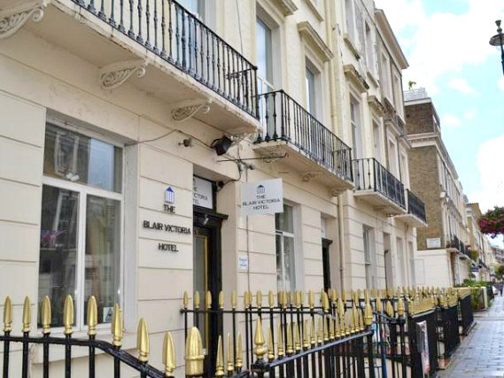 Blair Victoria Hotel is located close to Victoria Train Station
