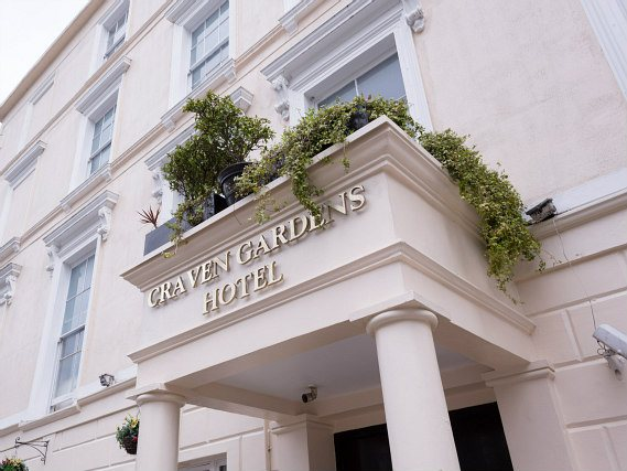 Hyde Park View Hostel is situated in a prime location in Bayswater close to Kensington Gardens