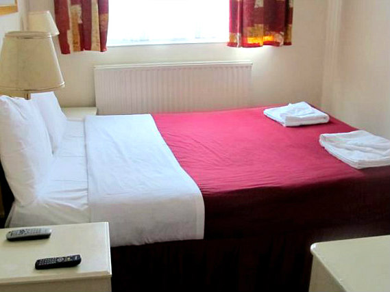 A typical double room at Chiswick Lodge Hotel
