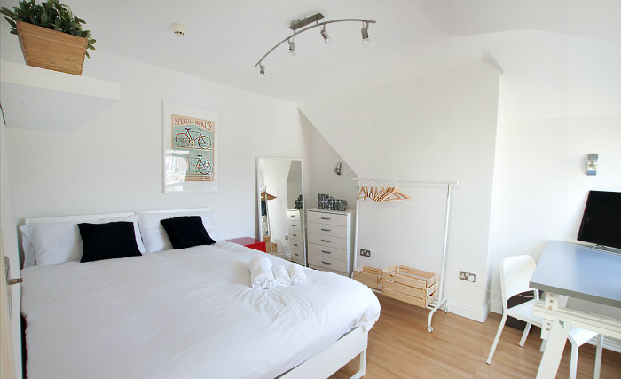 Get a good night's sleep in your comfortable room at Tooting Studios