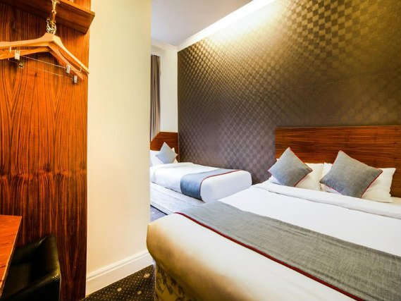 Triple room at Park Hotel London