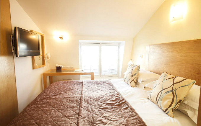 A comfortable double room at Cleveland Hotel London