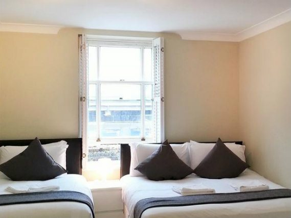 Triple room at Belgravia Rooms London