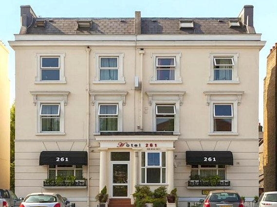 Hotel 261 is situated in a prime location in Shepherds Bush close to Shepherds Bush Green