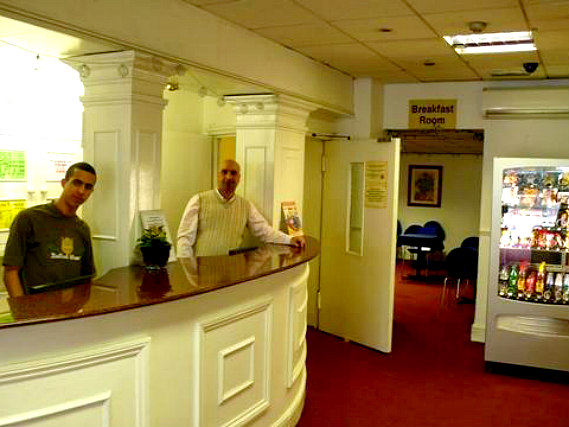 Royal Bayswater Hostel has a 24-hour reception so there is always someone to help