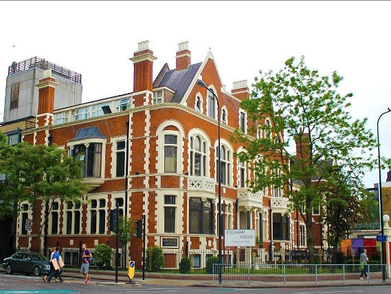 Best Western Peckham Hotel is located close to Oval Cricket Ground