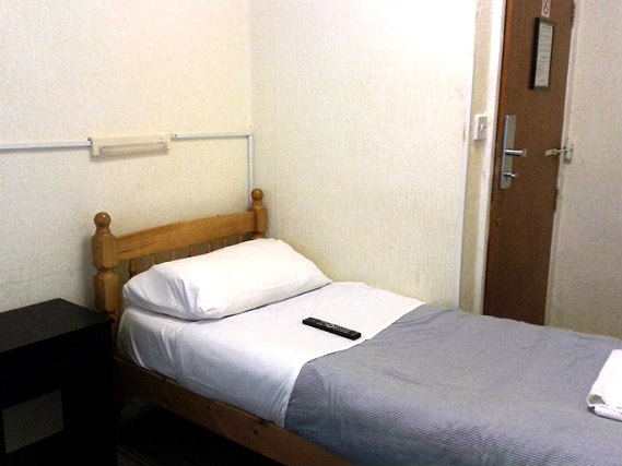 A typical single room at Ivy House Hotel