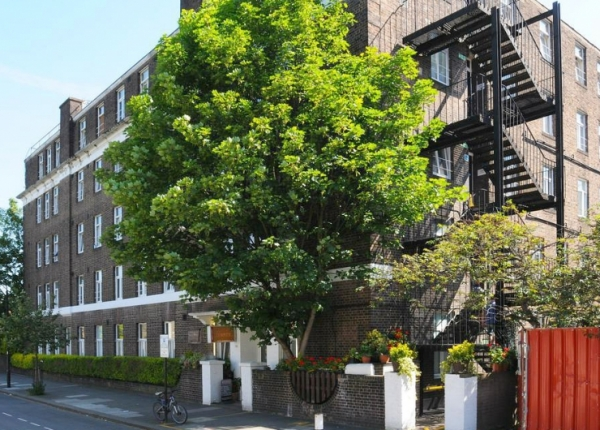 Abercorn House is situated in a prime location in Hammersmith