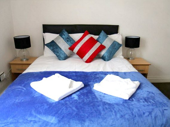 A typical double room at Metro House Hotel London