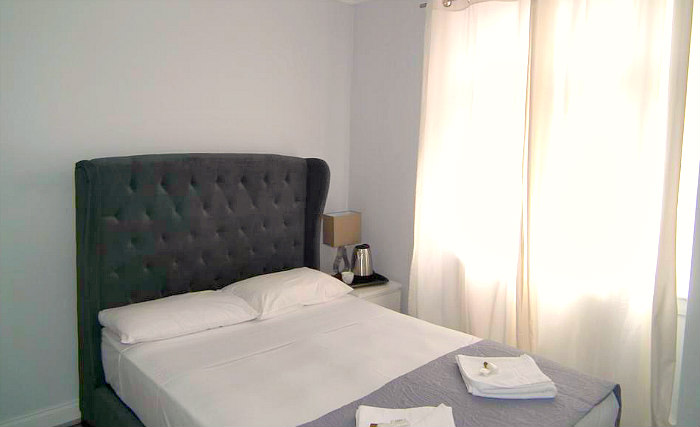 A double room at Cameron Hotel London