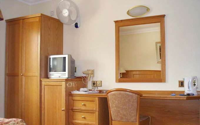 Most rooms have desks at the Viking Hotel London