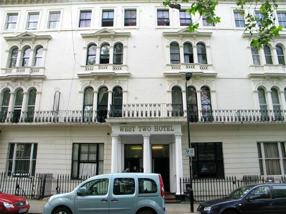 West Two Hostel London is situated in a prime location in Bayswater close to Bayswater Tube Station