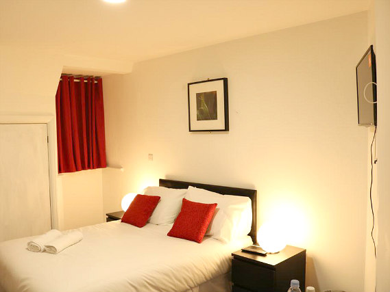 A comfortable double room at Bank Hotel London