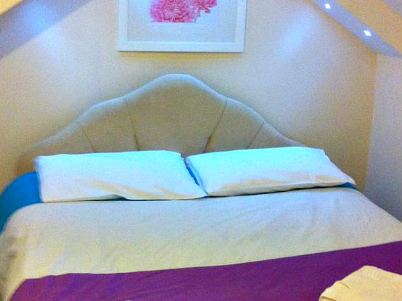 A typical double room at Stratford Hotel London