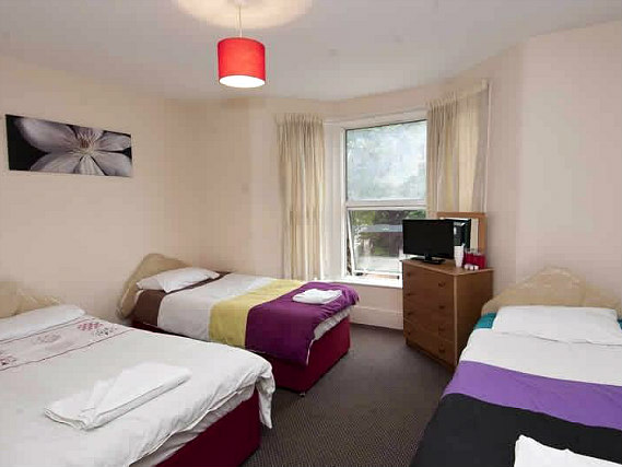 Quad rooms at Stratford Hotel London are the ideal choice for groups of friends or families