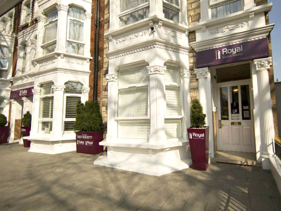 Royal Guest House is situated in a prime location in Shepherds Bush close to Bush Theatre