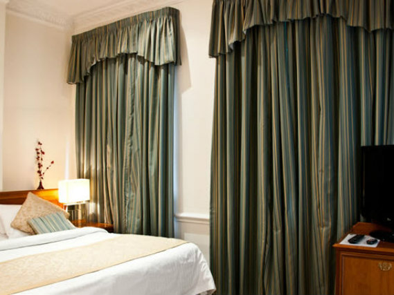 A double room at Staunton Hotel London is perfect for a couple