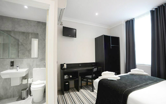 A double room at The Pack and Carriage Bar and Rooms