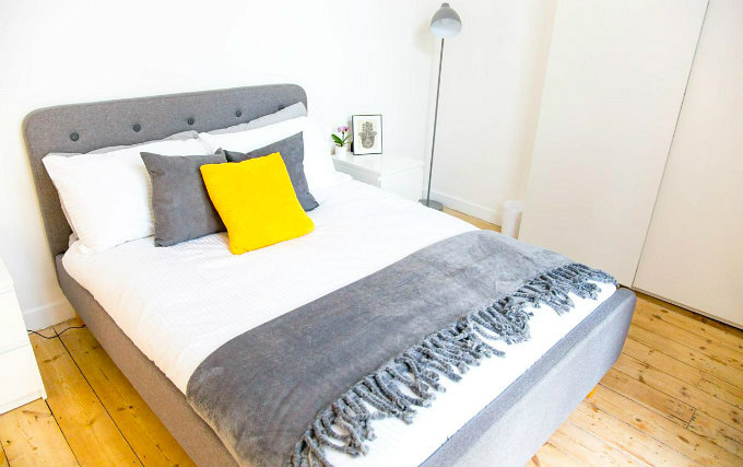 A double room at Cosmos Apartment Hackney