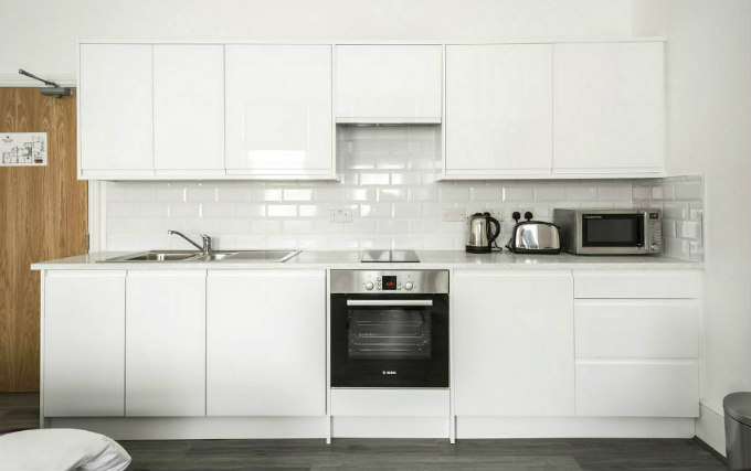 kitchen at Smart Stay Swiss Cottage