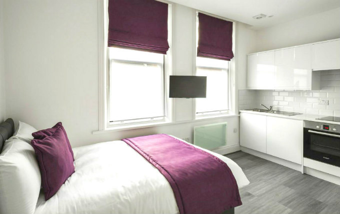A typical double room at Smart Stay Swiss Cottage