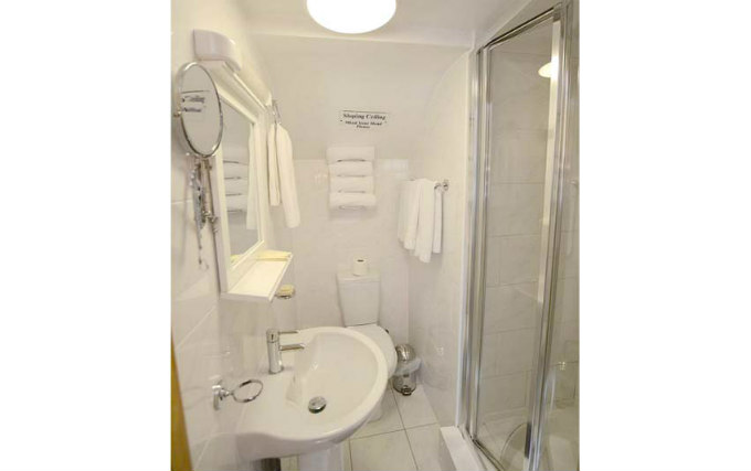 A typical bathroom at PremierLux Serviced Apartments
