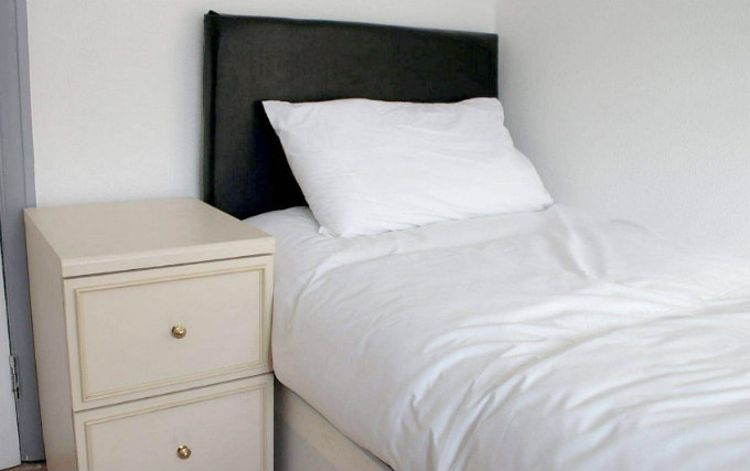 A typical single room at Croydon Rooms