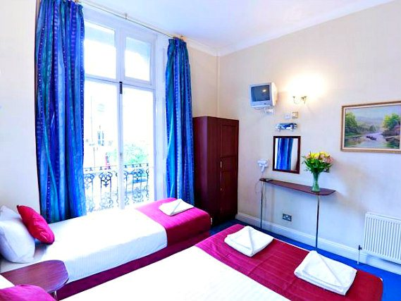 Triple rooms at Hyde Park Whiteleaf Hotel are the ideal choice for groups of friends or families