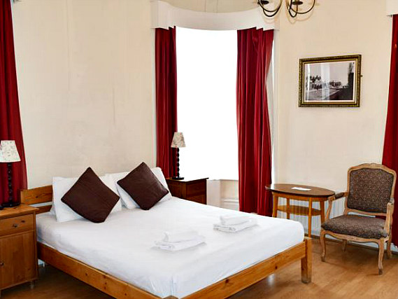 Get a good night's sleep in your comfortable room at Black Lion Guesthouse London