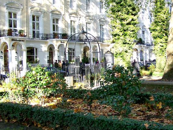 Tonys House Hotel London Book On Travelstay Com