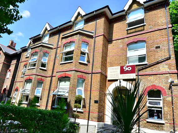 So London Luxury Apartments is situated in a prime location in Hammersmith close to Ravenscourt Park