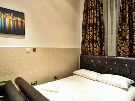Hyde Park Apartments London Book On Travelstay Com