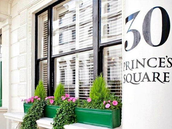 Vancouver Studios London is situated in a prime location in Bayswater close to Kensington Gardens