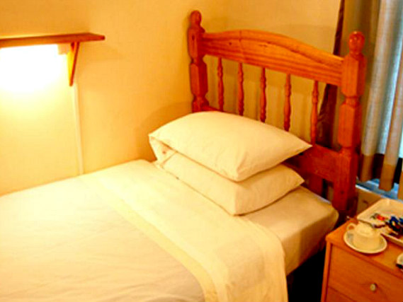 Single rooms at Broadway Lodge provide privacy