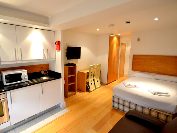 Hyde Park Suites London Book On Travelstay Com