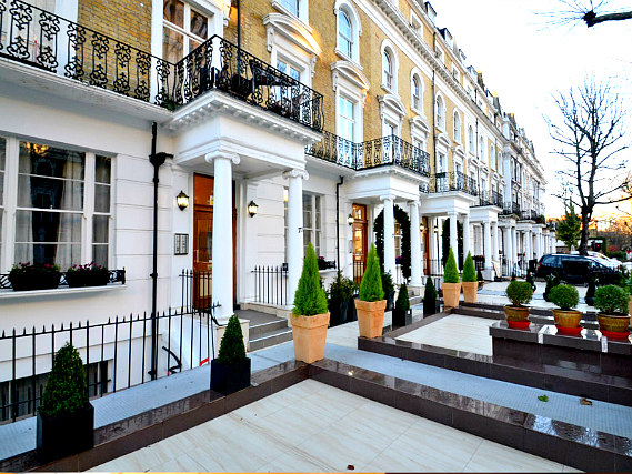 Hyde Park Suites is situated in a prime location in Bayswater close to Kensington Gardens
