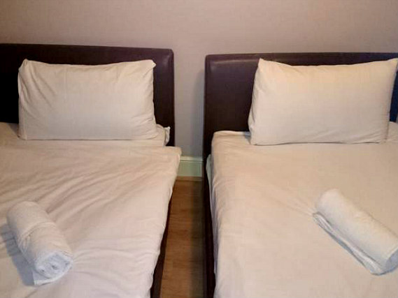 A twin room at City View Hotel Stratford