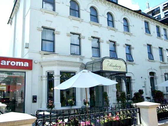 New Pembury Hotel is situated in a prime location in Finsbury Park close to Emirates Stadium