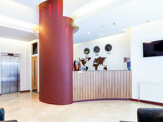 Avni Kensington Hotel has a 24-hour reception