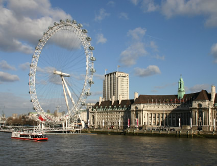 Book a hotel near London Eye