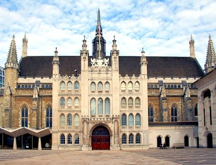 Book a hotel near Guildhall