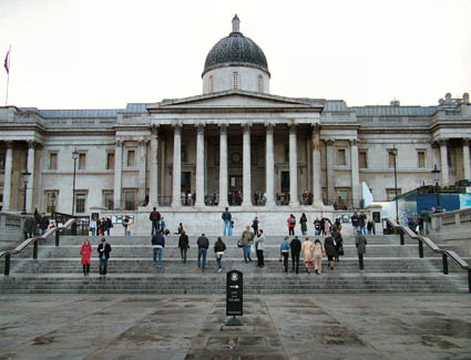 Book a hotel near The National Gallery