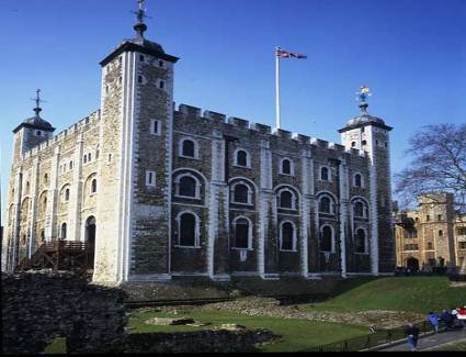 Book a hotel near Tower of London