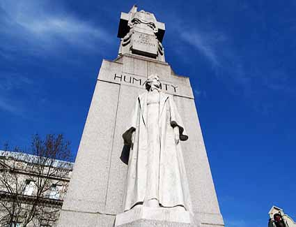Book a hotel near Edith Cavell Statue