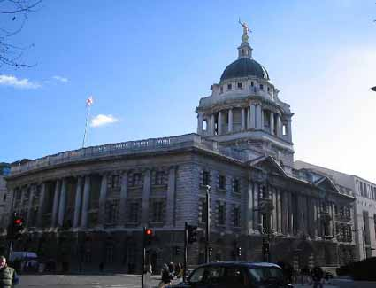 Book a hotel near Old Bailey