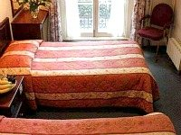 A typical triple room at Bayswater Inn