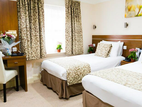 A twin room at Bayswater Inn is perfect for two guests