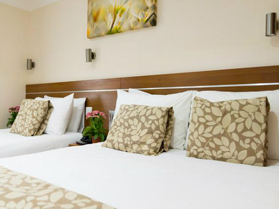 Triple rooms at Bayswater Inn are the ideal choice for groups of friends or families