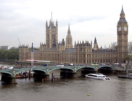 Book a hotel near Westminster Bridge
